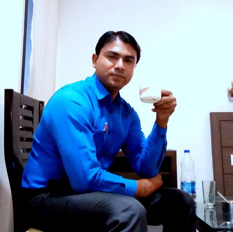 Profile Mueen Akhtar
